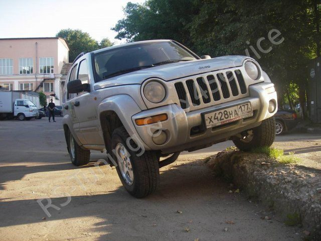 Jeep CherokeeLiberty KJ 3.7 V6. Лифт подвески Dobinsons. RST10