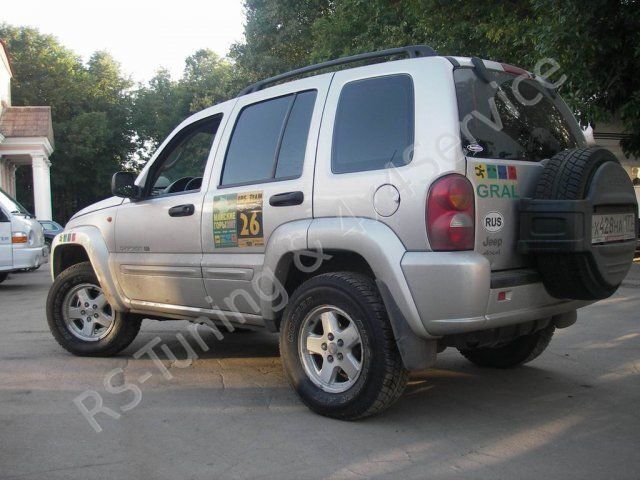 Jeep CherokeeLiberty KJ 3.7 V6. Лифт подвески Dobinsons. RST1